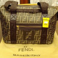 Borsa fendi falsa
